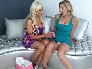 Sexy lesbian mommies Holly Brooks and Brianna Ray