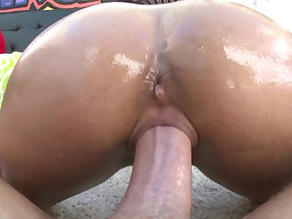 Brunette has some dirty fantasies to be fulfilled with guys sturdy boner in her mouth